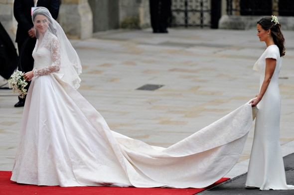 kate-middleton-wedding-dress-590ssl042911